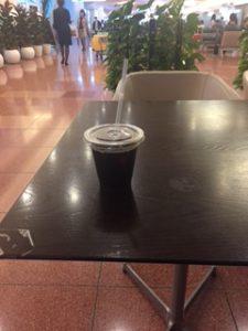 羽田空港の無料アイスコーヒー