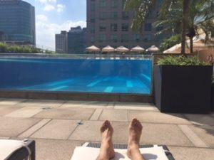 インターコンチネンタルホテルサイゴンのプールがかっこいい