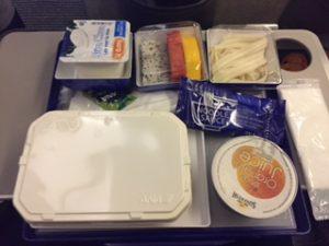 ANAの機内食が朝方に