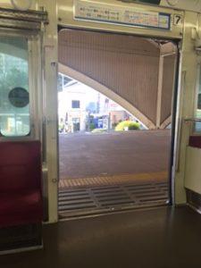 箱根湯本駅で小田急線に乗り換え
