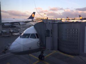 ベルリン行きのルフトハンザ航空エアバス機