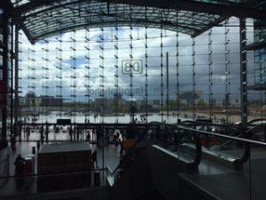 とても大きいベルリン中央駅
