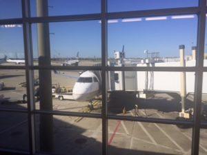 ニューオリンズに到着したユナイテッド航空機