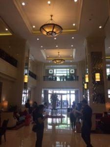 グランデセンターポイントのアパートメントの1階ホール