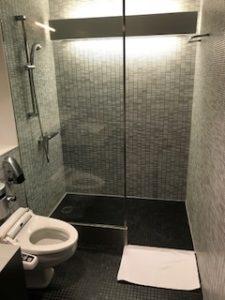 ANAスイートラウンジのシャワールーム