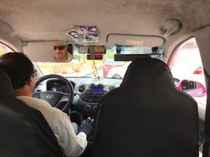 メキシコシティのリベラというタクシー内