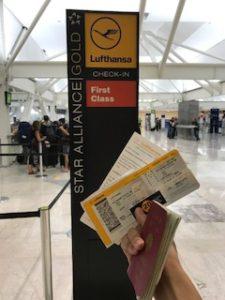 メキシコシティの空港内チェックインカウンター