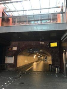 ドイツ鉄道の駅に到着