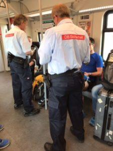 ドイツ鉄道で車内の乗車券チェック