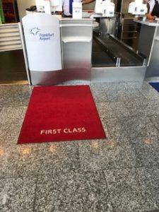 フランクフルト空港のチェックインカウンター