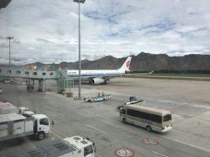 ラサ空港に停まっている中国国際航空の機体