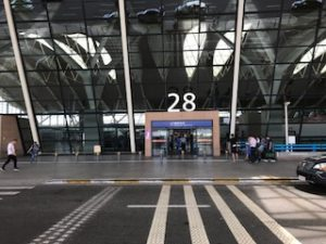 浦東空港国内線の入口