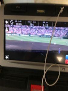 高校野球を見ながらジムで有酸素運動