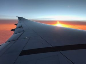機内からの朝焼けが綺麗