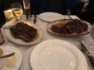 Tボーンステーキとリブアイステーキ