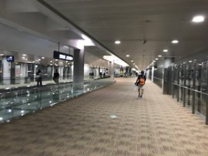 広い浦東空港到着ロビー