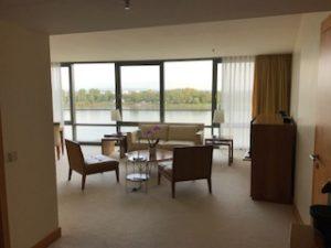 ホテルのリビングルーム