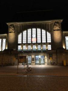 深夜のDB(ドイツ鉄道)の駅