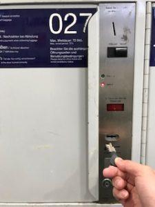 ドイツのコインロッカー開錠