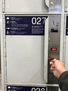 ドイツのコインロッカーの鍵を回す