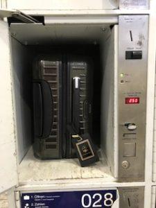 ドイツのコインロッカーの扉が開いた