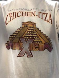 チチェンイッツァのTシャツ