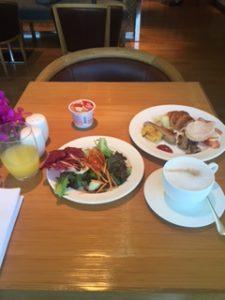 グランドハイアットエラワン内クラブラウンジにて朝食