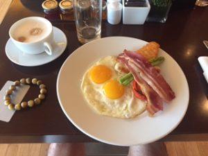 香港のリージェンシークラブでの朝食