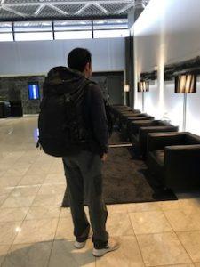 成田空港のバックパッカー