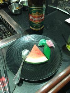 体に悪そうなミャンマーのデザート