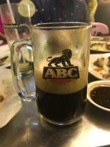 ABCというミャンマーの濃いビール