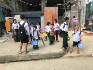 タナカを塗ったミャンマー人