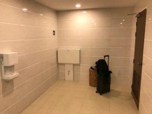 ヤンゴン空港のシャワールーム