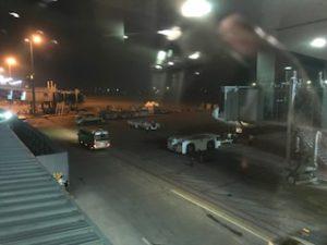 ヤンゴン空港にてANA機内から