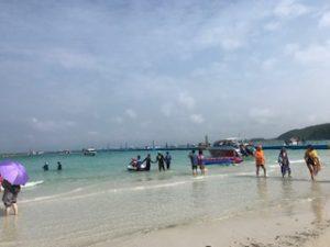ラン島に到着した時のビーチ