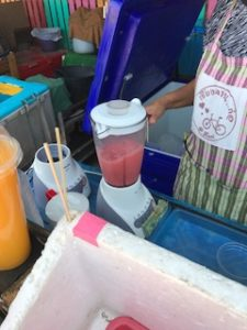 ミキサーで作るフルーツジュース