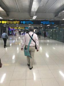 バンコク空港で隣のオヤジ