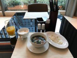 同じホテルの朝食