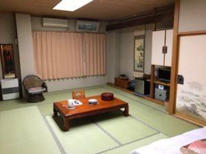 和室の広い部屋
