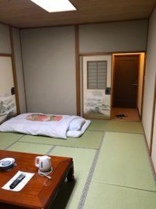 懐かしい布団で寝る畳の部屋