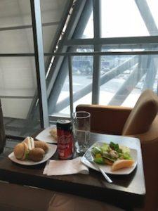 タイ航空のロイヤルシルクラウンジで朝食