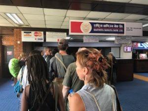 VISA取得の支払いカウンター