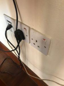 ホテルの電源