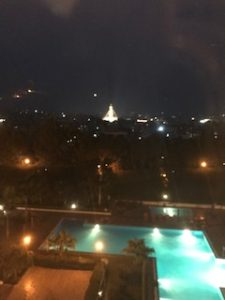 カトマンズで夜のステューパ(仏塔)