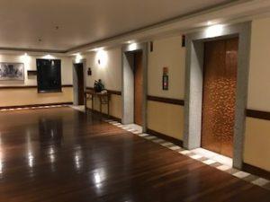 客室のエレベーターホール1