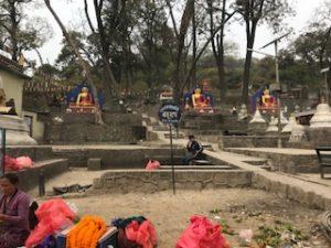 ネパールにある365体の仏像