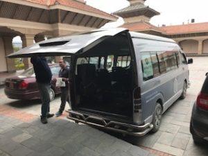 ハイアットリージェンシーカトマンズでホテルの送迎車