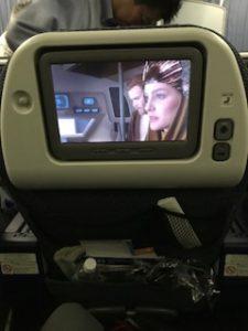 機内ではスターウォーズを鑑賞
