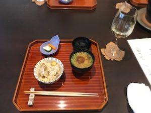 締めのご飯とお味噌汁、お漬物