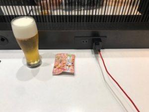 広島空港内ANAラウンジでビール